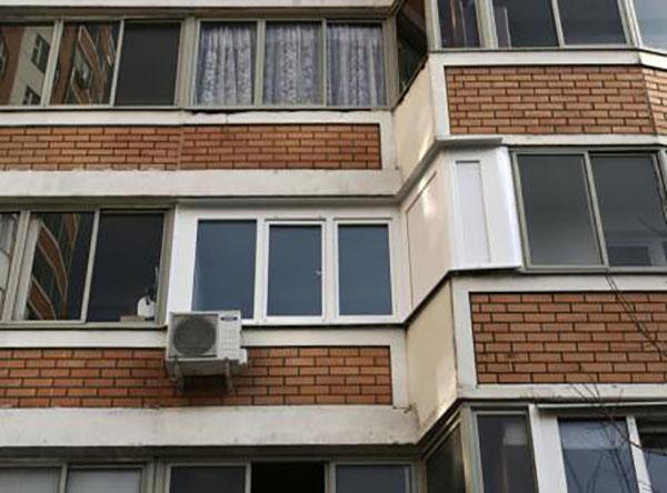 Остекление балкона в доме серии п-44.